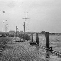 Der Hafen mit den Gleisen der Inselbahn