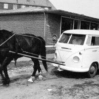 Milchauslieferung mit der VW T1 Kutsche